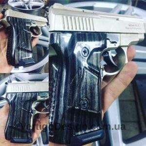 akvadruk-akvaprint-akvapechat-zbroya-chorne_derevo-pistolet_1-300x300