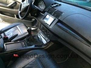 akvadruk-akvaprint-akvapechat-salon_avto-chorne_derevo-toyota_BMW_X5-23-300x225