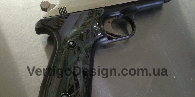 akvadruk-akvaprint-akvapechat-zbroya-chorne_derevo-pistolet_3-660x330