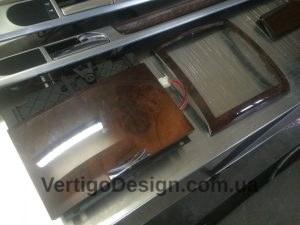 akvadruk-akvaprint-akvapechat-Volkswagen_Touareg-chorne_derevo_5-300x225